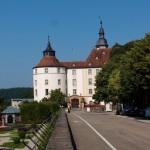 Auf der Fahrt machen wir kurz Halt am Langenbuger Schloss