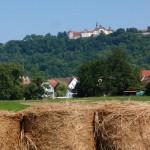 Wandern mit Blick auf das Schloss Langenburg